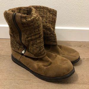 Muk luks winter boots tan size 10